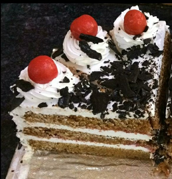 Black forest cool cake