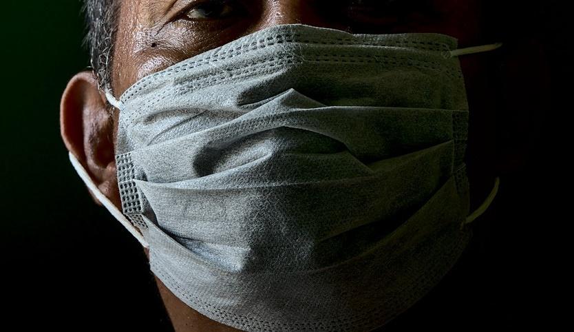 指揮中心直言,即使降級,口罩也不會是主要鬆綁項目。
