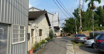 警方獲報後趕赴台中新社區一處民宅,結果破門後竟見一具白骨。(圖/警方提供)
