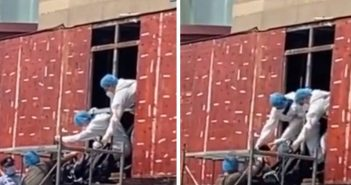 裝修工人在拆開廣告牌時,驚見裡面藏了一具女屍。(圖/翻攝自微博)