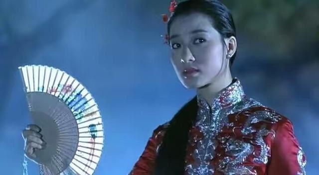 王小鳳在24歲就榮獲第5屆香港電影金像獎最佳女主角。(圖/翻攝自微博)