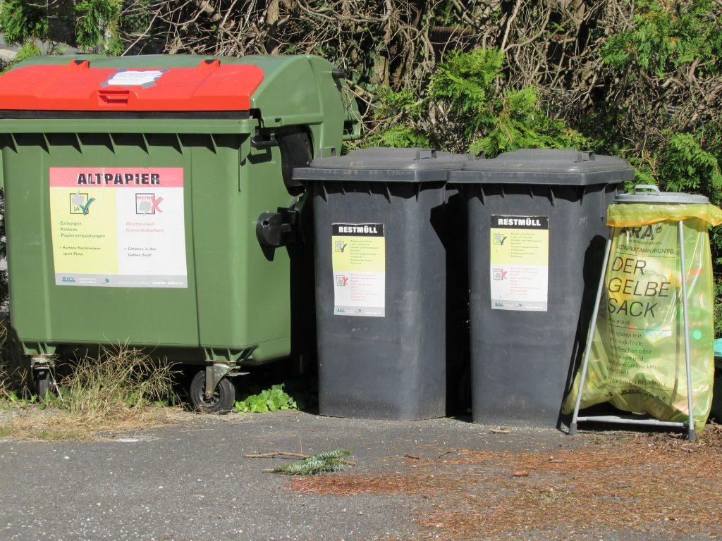 垃圾桶。(圖/pixabay)