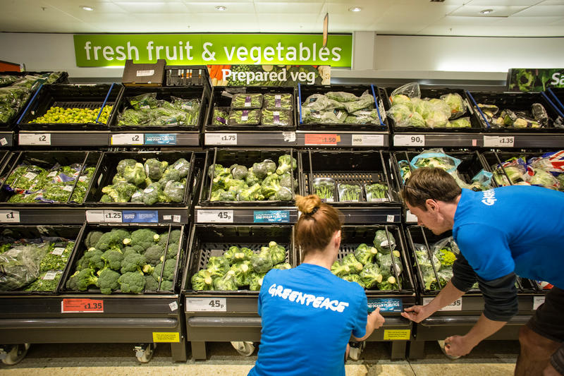 Image for This Earth Day We Asked Supermarkets to Reduce Their Plastic Footprint