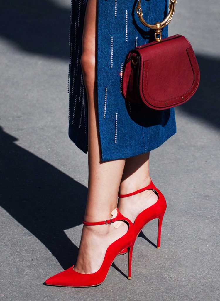 lindsay giguiere, red high heels and fashion