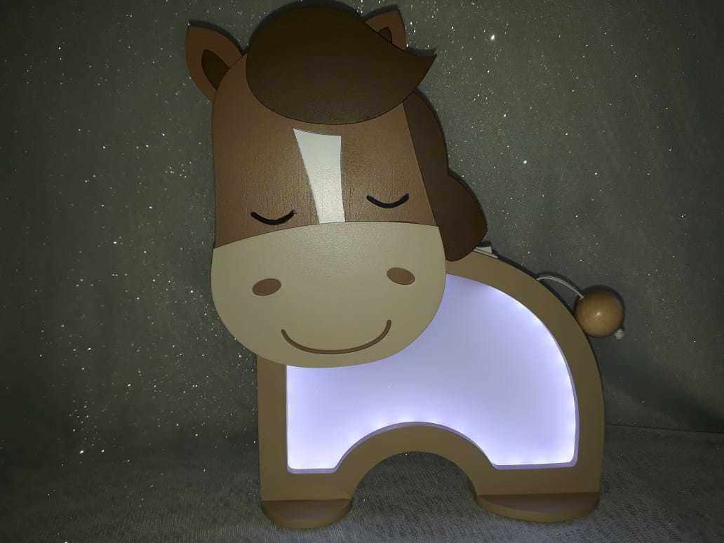 Luminária Abajur Cavalinho De Mesa Com Led Com Fio