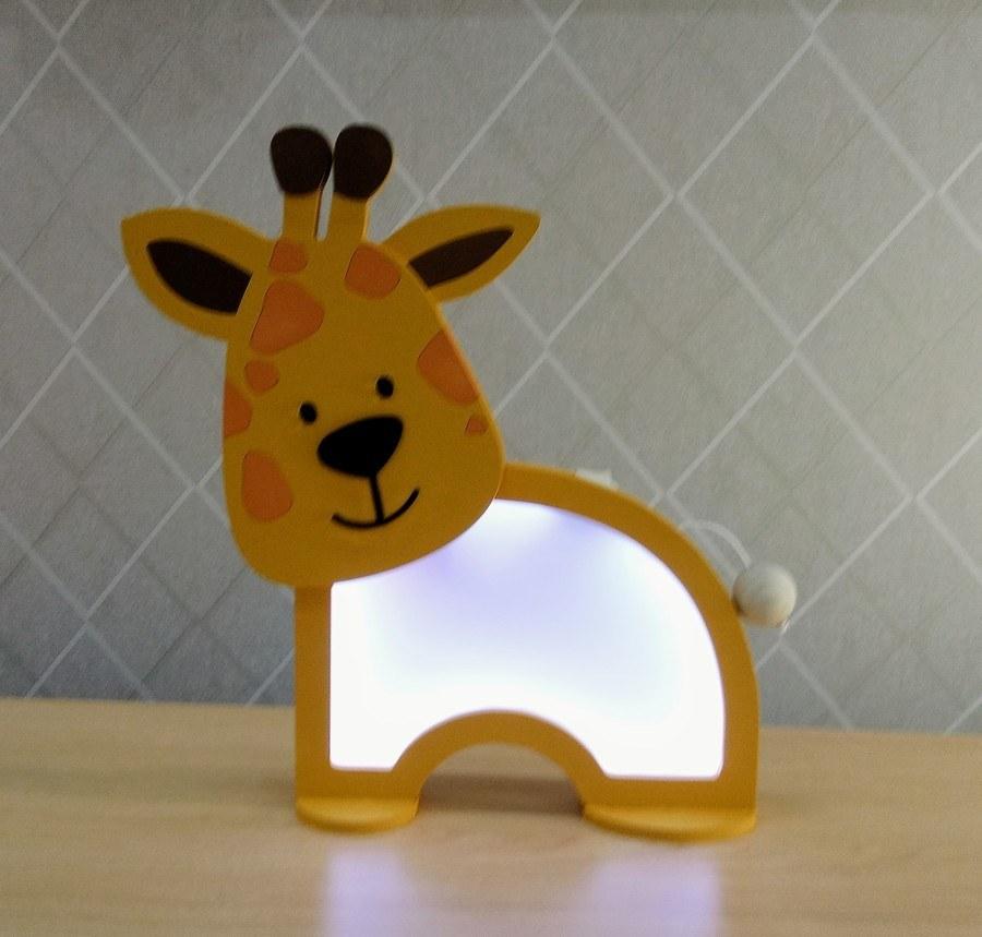 Luminária Abajur Girafa De Mesa Com Led Com Fio