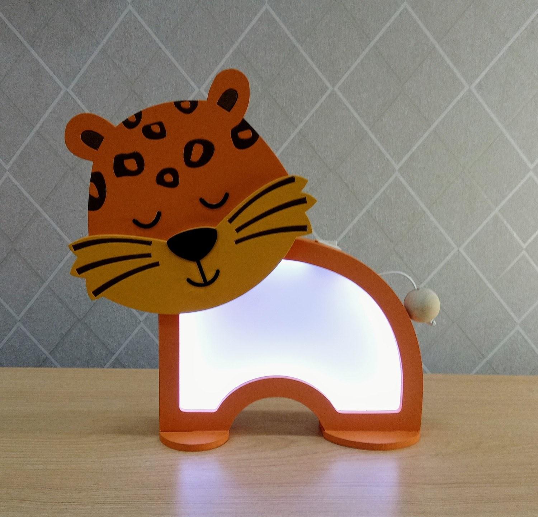 Luminária Abajur Onça De Mesa Com Led Com Fio