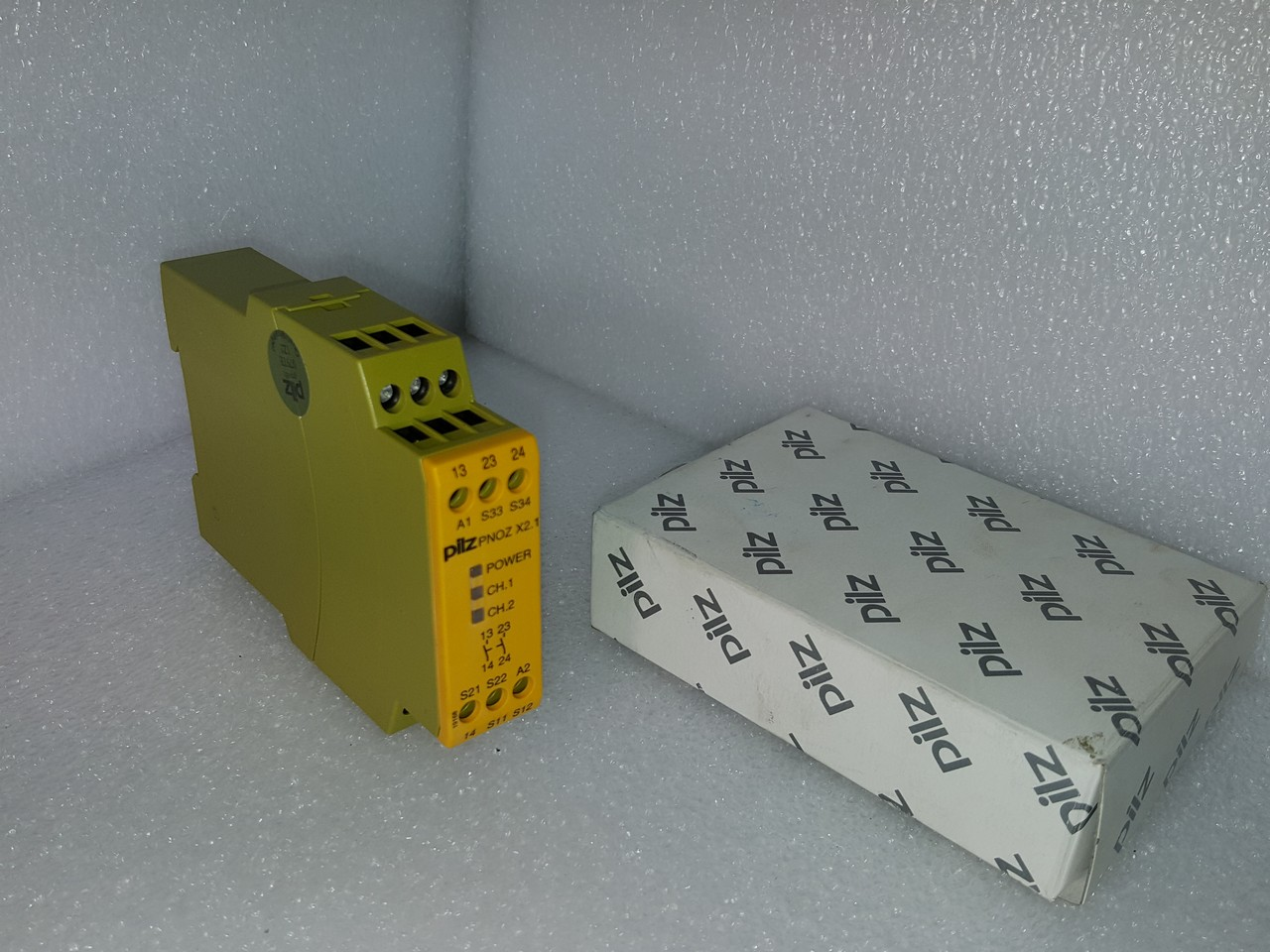 Graphic Web Parts Pnoz X21 Ident Nr774306 Pilz Safety Relay Wiring A For Man Colorman