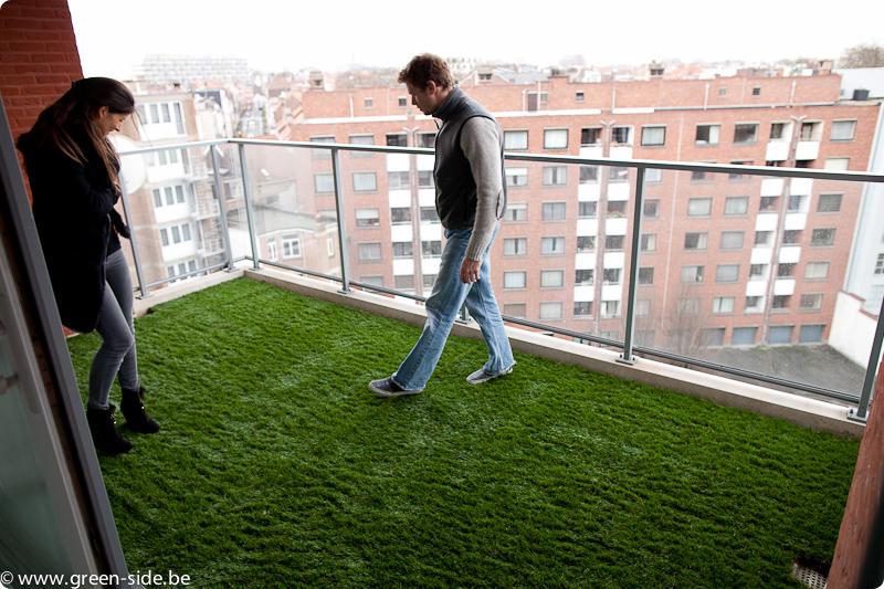tutoriel pose de gazon artificiel sur terrasse greenside blog. Black Bedroom Furniture Sets. Home Design Ideas