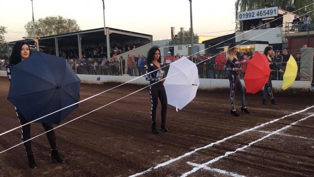 Rye House Rockets Startline Girls Rye House Speedway 8th April 2017 01 1