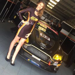 Academy-motorsport-at-snetterton-for-british-gt-28th-may-2017-01