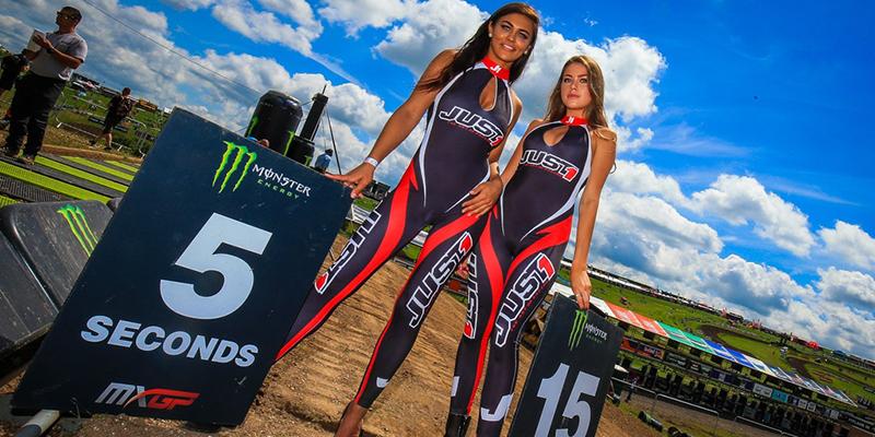 Grid Girls Uk Supplied Motorcross Startline Girls 01 2