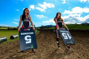 Grid Girls Uk Supplied Motorcross Startline Girls 08 2