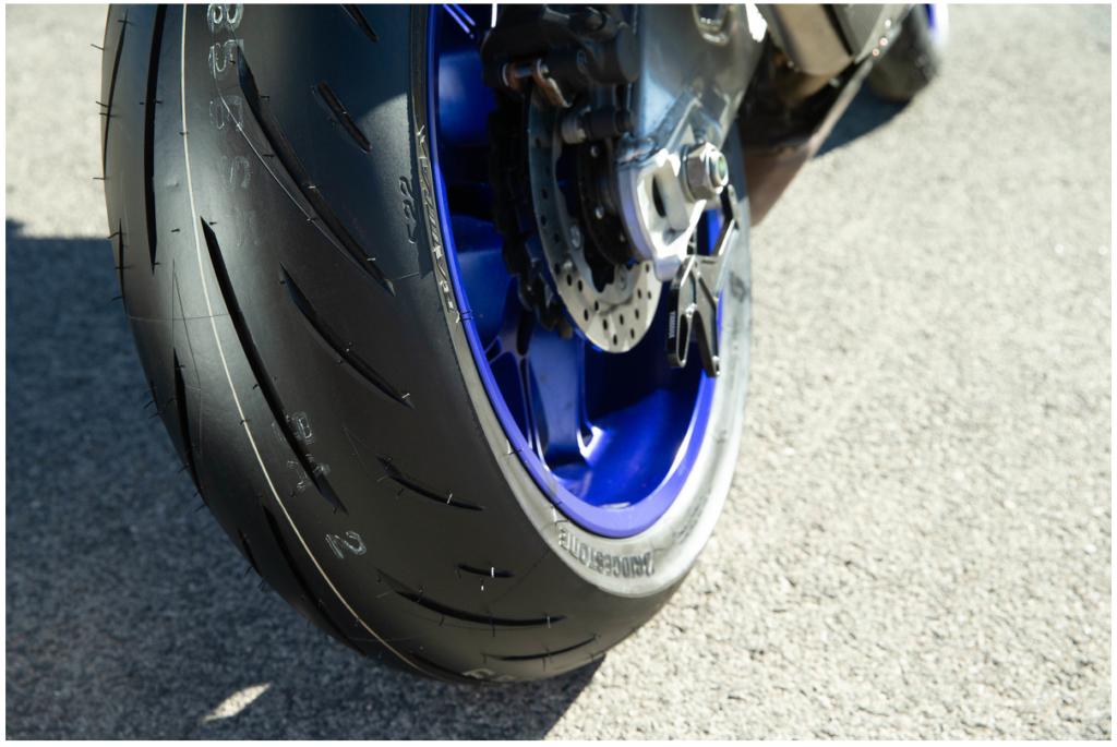 gomme-moto-sportive-il-test-di-motorrad