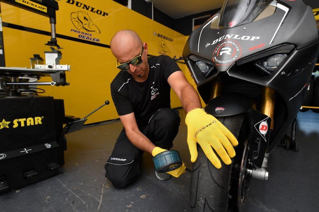 Dunlop Pro Race Dealer