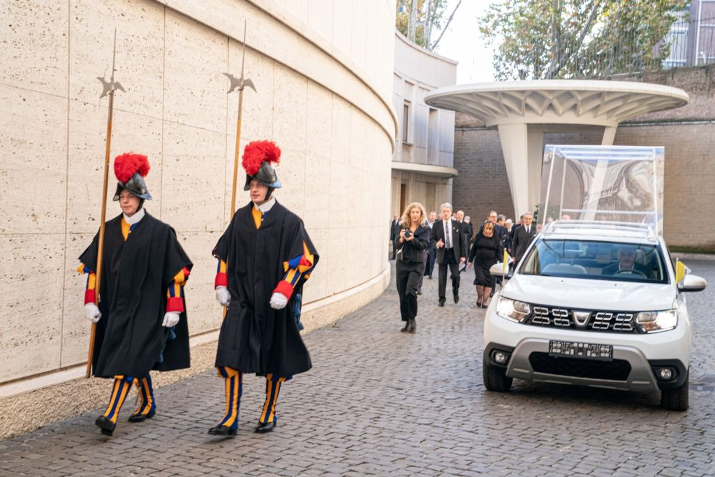 Dacia Duster 4x4 Papa Francesco