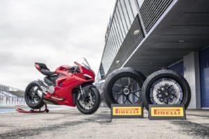 pirelli-e-primo-equipaggiamento-delle-nuove-naked-di-serie-piu-potenti-al-mondo-e-delle-principali-novita-motociclistiche-in-arrivo-nel-2020