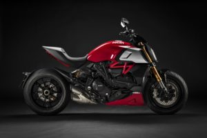 ducati-diavel-1260-s-premiato-good-design-award