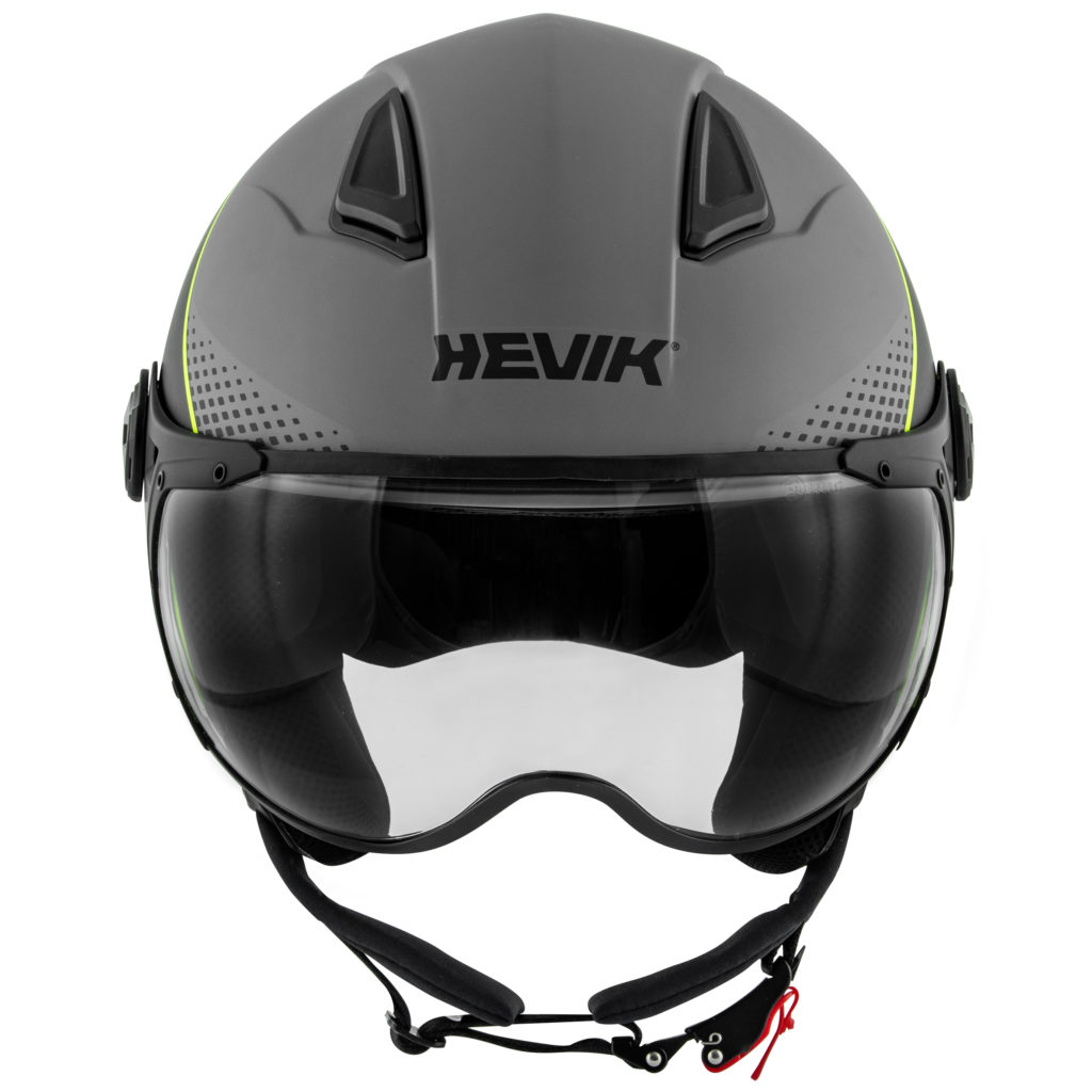 A tutti gli amanti dello stile Urban, Hevik propone una coppia di accessori d'effetto per viaggiare in sella all'insegna del colore fluo: i guanti Shamal-R e il demi-jet Nautilus, grintosi, protettivi, dedicati ai biker che non amano passare inosservati.