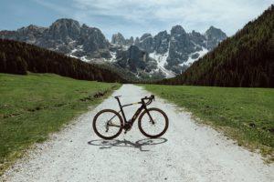 Pirelli presenta Nomades e Montagel, le nuove e-bike CYCL-e around per la città e per le vacanze