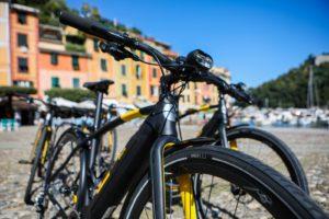 Nomades Montagel e-bike CYCL-e around città urban gravel Pirelli