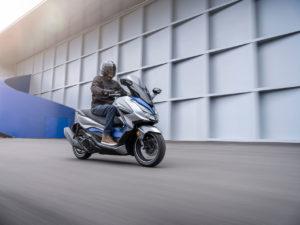 La famiglia degli scooter Honda Forza si potenzia e si amplia per il 2021 con il restyling del Forza 125 e l'introduzione dei Forza 350 e 750