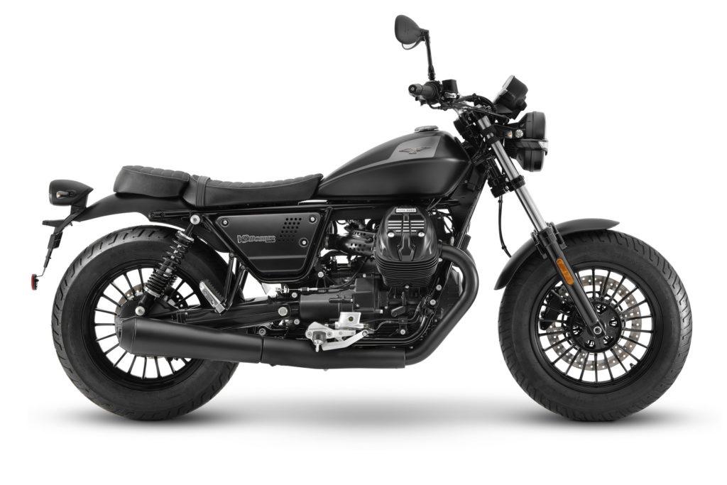 Moto Guzzi V9 2021 Roamer V9 Bobber Pirelli sport demon dunlop d404