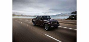 Jeep Gladiator italia pick-up 4x4 ordini aperti allestimenti prezzo