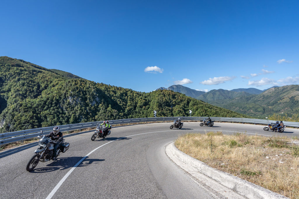 moto-guzzi-experience-2021-iscrizioni-dolomiti-toscana-sardegna-balcani