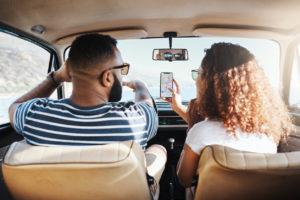 smartphone alla guida multe sanzioni euro cosa si rischia