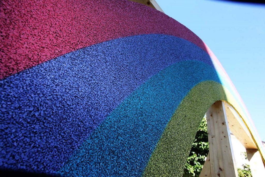 la-gomma-riciclata-il-nuovo-materiale-green-per-il-design-e-larchitettura-delle-nostre-citta