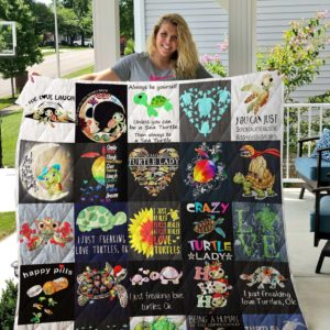 Turtle shirt Quilt Blanket