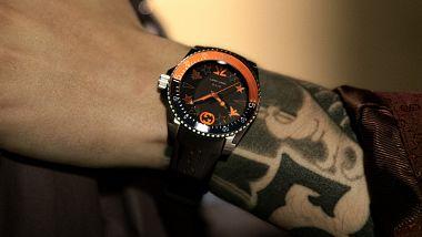 gucci-a-fnatic-predstavili-kolekci-hodinek