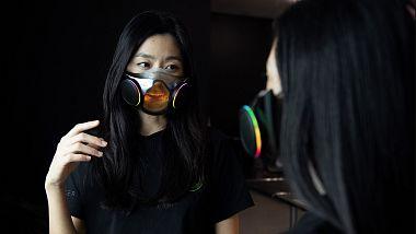 maska-s-barevnym-podsvicenim-od-razeru-se-zacne-prodavat-na-konci-roku