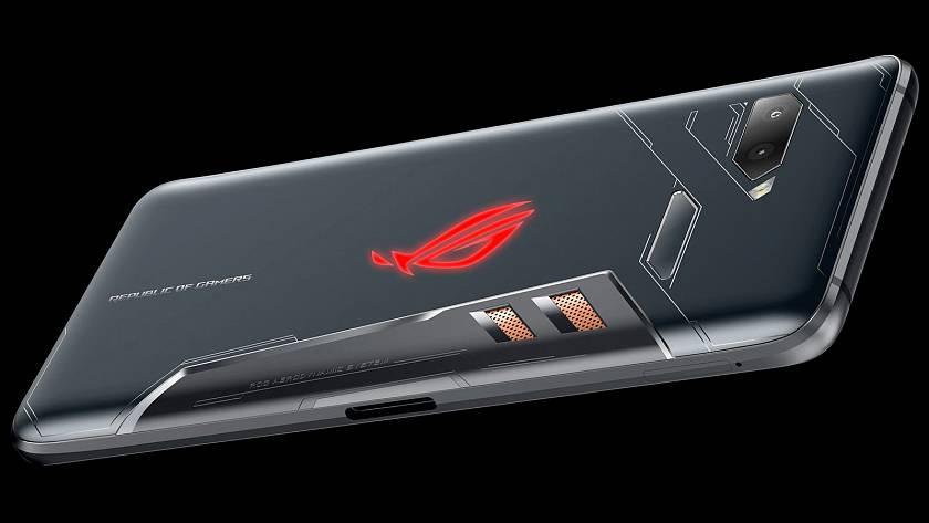 asus-nabidne-herni-rog-smartphone-s-90hz-displejem-512gb-ulozistem-a-radou-doku