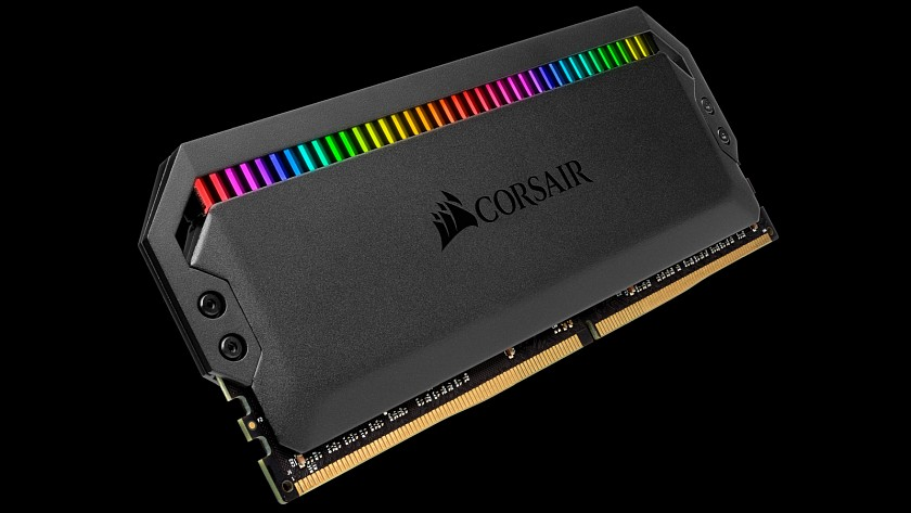 corsair-uvedl-inovovane-ddr4-moduly-dominator-platinum-rgb