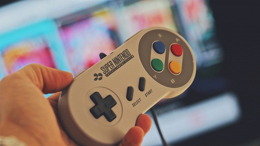 nintendo-switch-by-mohlo-dostat-snes-gamepad