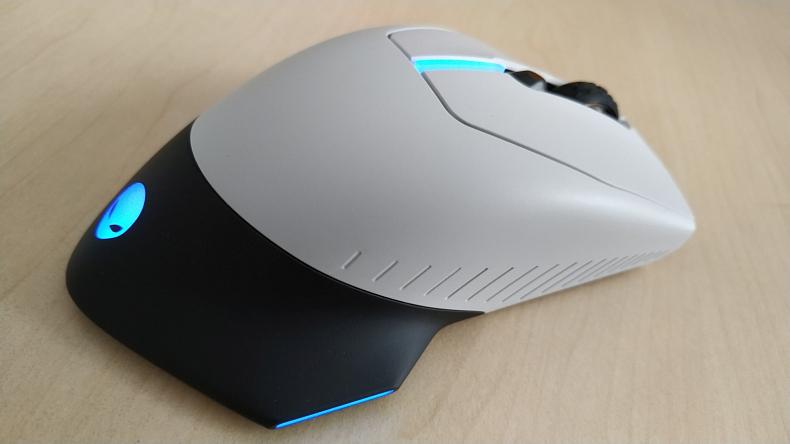 Alienware herní myš AW610M