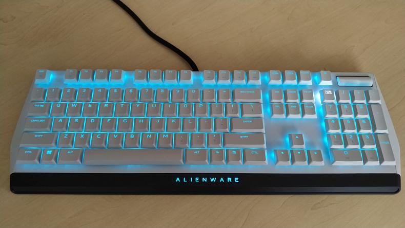 Herní mechanická klávesnice s RGB