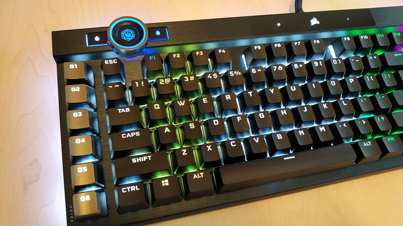 Klávesnice pro hráče Corsair K100 RGB
