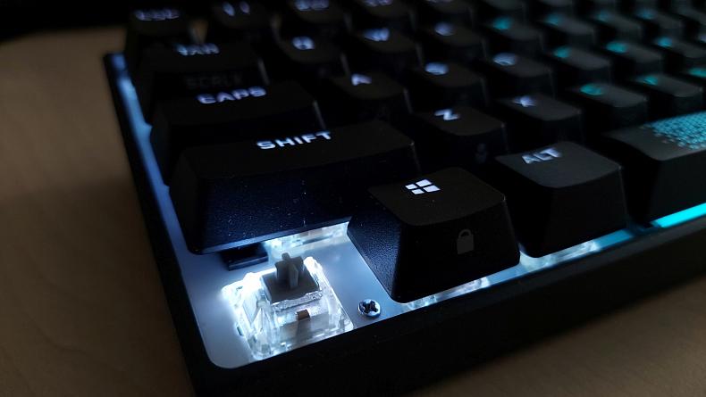 Herní mechanická klávesnice Corsair K65