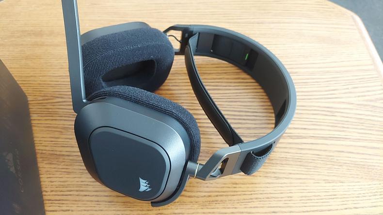 Sluchátka pro hráče Corsair HS80 recenze
