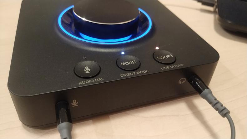 Creative Sound Blaster X3 konektory
