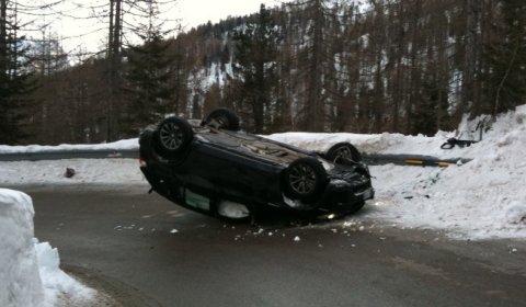 Car Crash BMW X5M Flips Upside Down 01