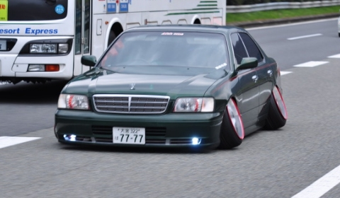Overkill Tuned VIP Car Off Camber