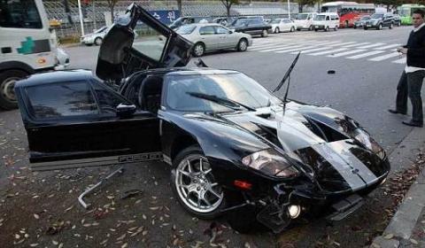 Car Crash  Ford Gt Wrecked In Seoul Korea