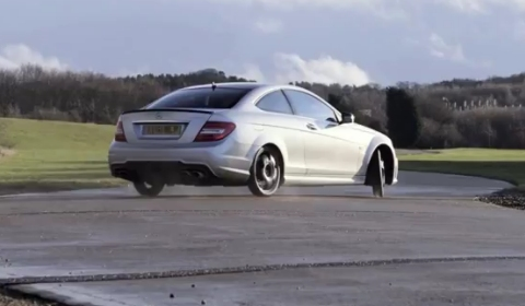 Video Mercedes-Benz C63 AMG Coupe Tire Experiment