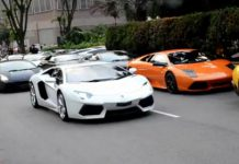 Video Fifty Lamborghinis Arriving for Dinner in Singapore