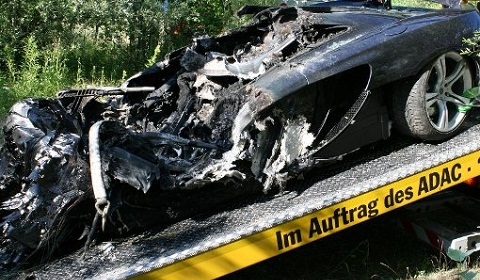 McLaren MP4-12C Wrecked by Fire in Germany