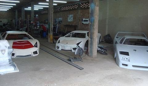 Mexican Lamborghini and Ferrari Replicas